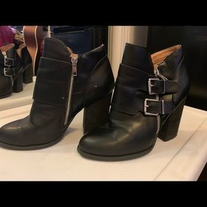 Black Urban Outfitters Booties size 7